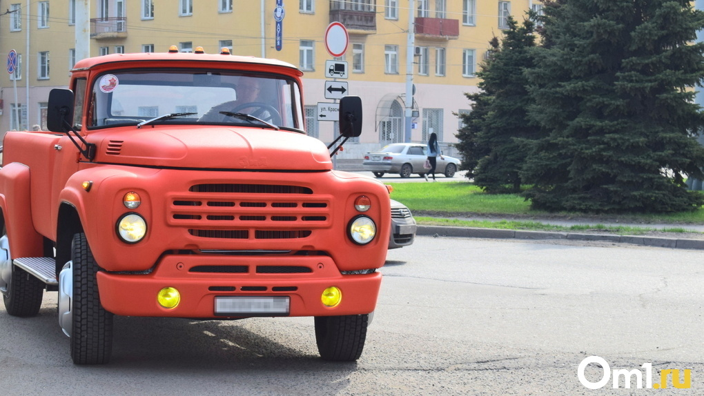 Давай поженимся. Омский бизнесмен на оранжевом ЗИЛе попал на первый канал