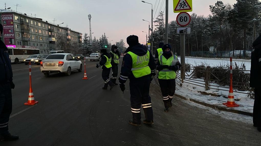 В Омске начнётся массовое тестирование на ковид полицейских и продавцов