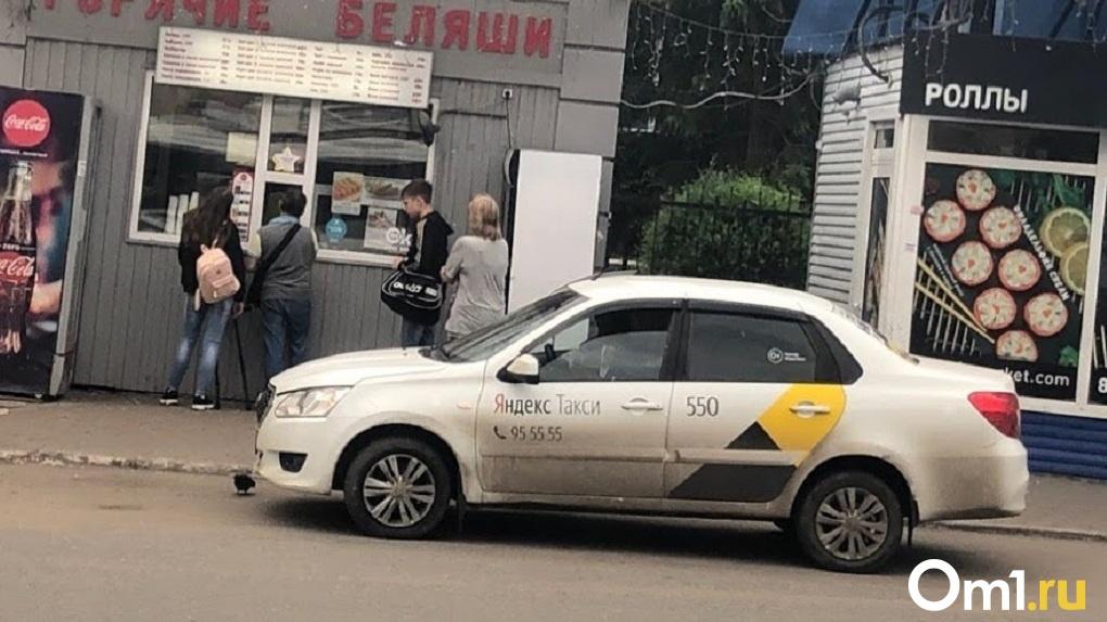 В Омске ночью напали на таксиста. Полиция отказывается возбуждать уголовное дело