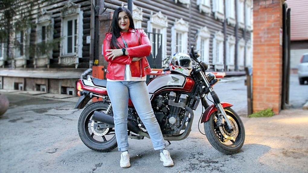 Модель XL из Новосибирска вылетела из шоу: она не смогла показать гнев