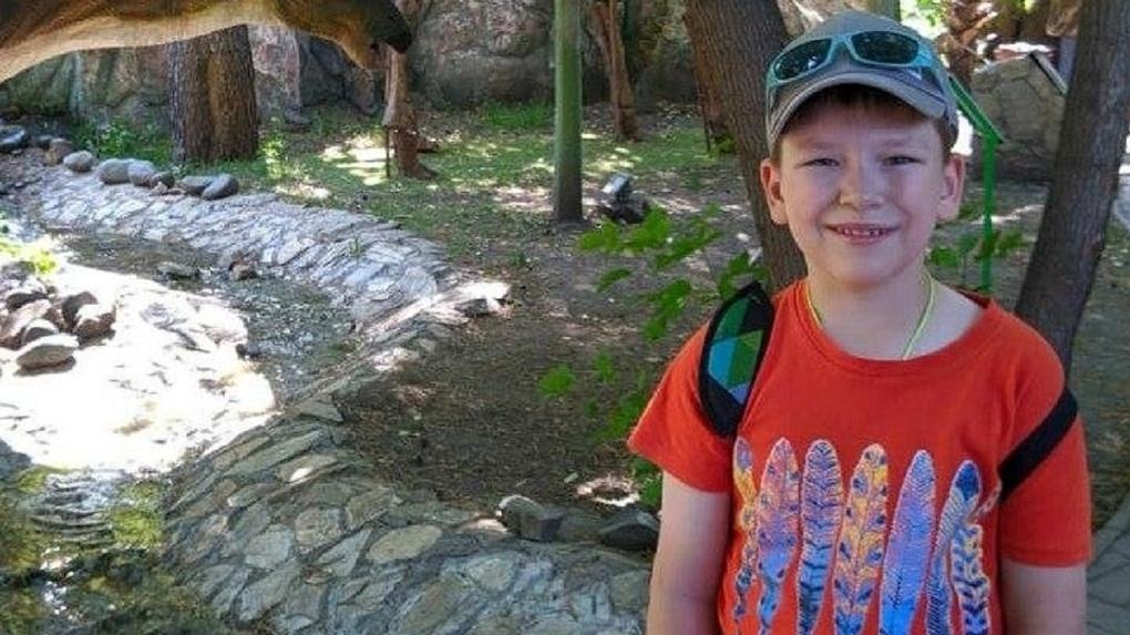 Мальчику с редким заболеванием из Новосибирска отказали в бесплатных школьных обедах