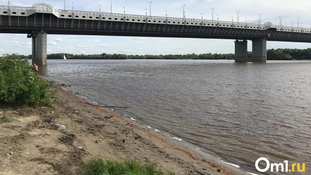 Минприроды проверило воду в Иртыше после свидетельств омичей о разливе нефти
