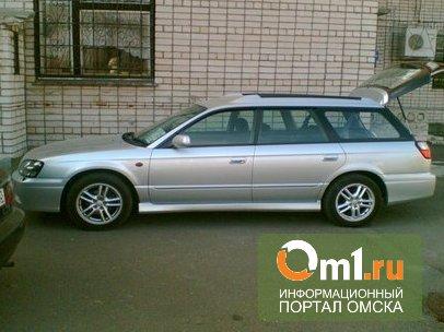 В Омске ночью на Челюскинцев горел Subaru Legacy Wagon