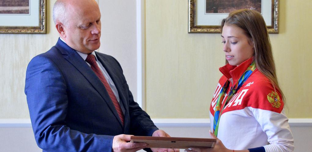 Правительство Омской области выплатит олимпийцам 8,4 млн рублей