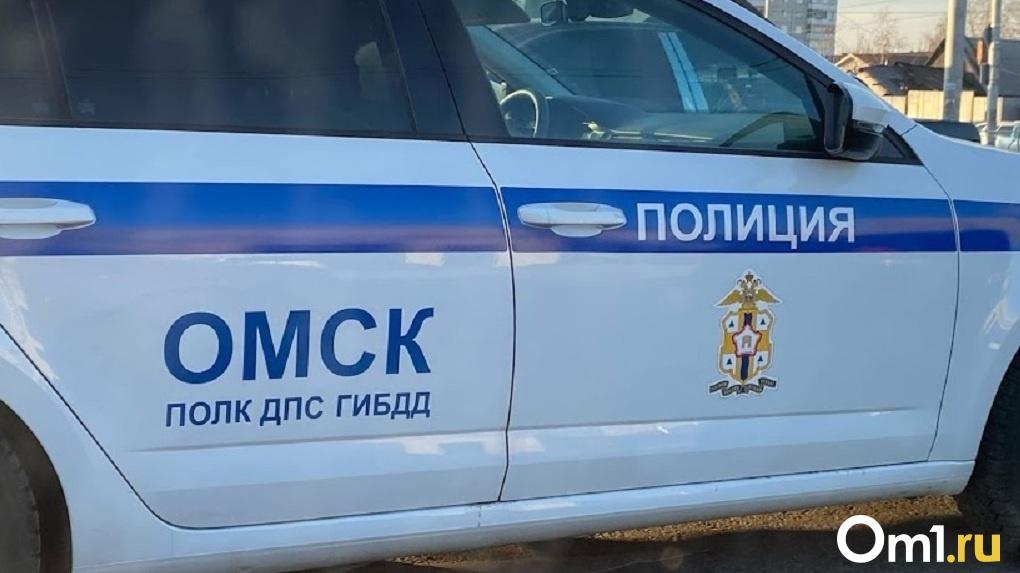 Появилось видео смертельной аварии под Омском, в которой столкнулись две фуры