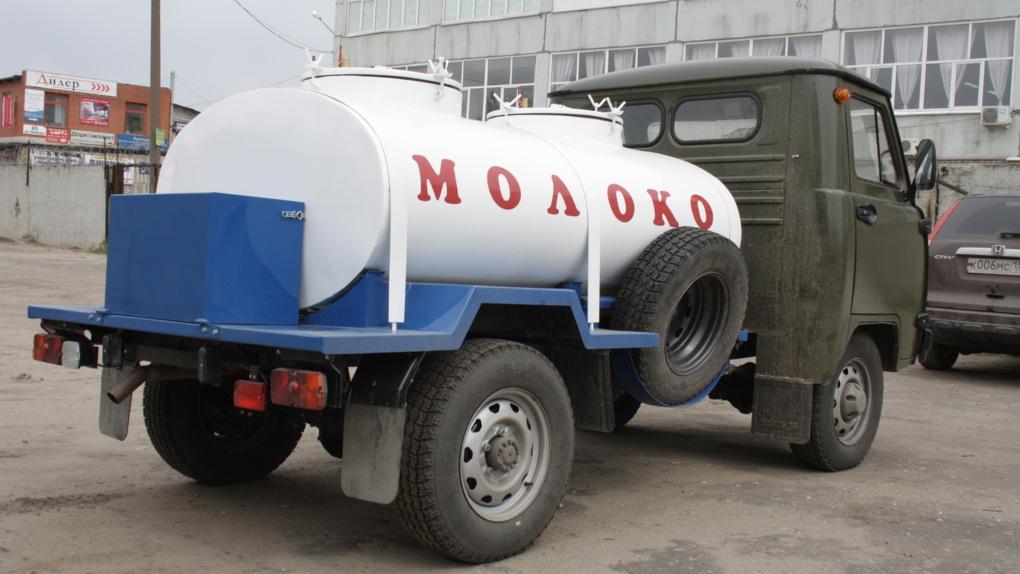На границе с Омской областью задержали почти 25 тонн казахстанского молока