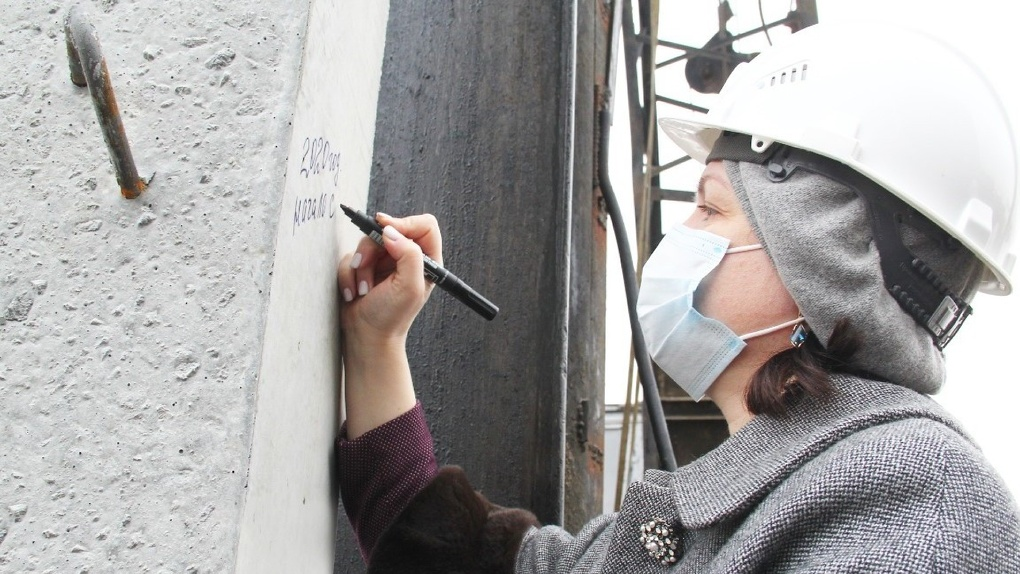 Оксана Фадина дала старт строительству нового детского сада в Омске на Старой Московке