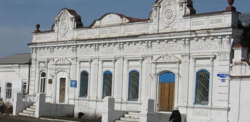 Жуков заявил, что дороги в Тюкалинске в Омской области хуже, чем здания-памятники