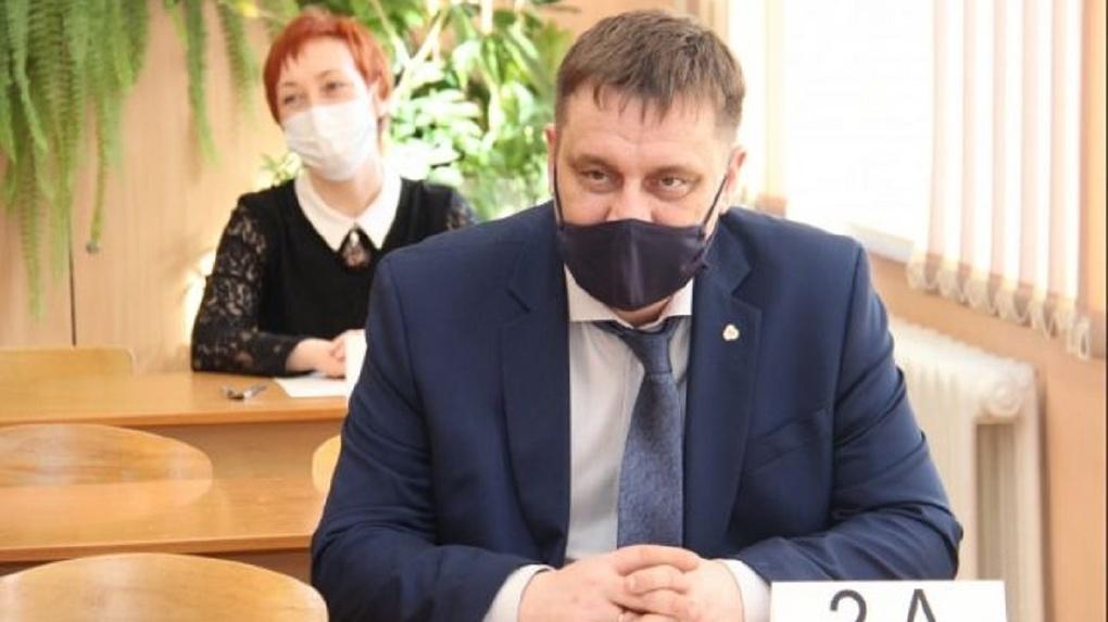 Министр образования Новосибирской области Сергей Федорчук сдал ЕГЭ: рассказываем о результатах