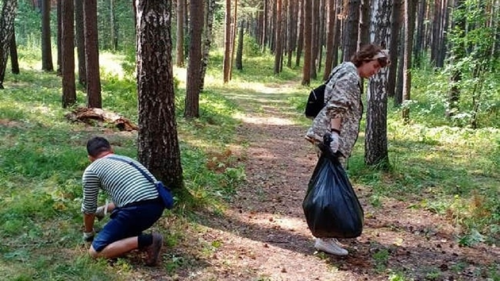 Омичи провели первую неделю в качестве эковолонтёров на озере Ленёво