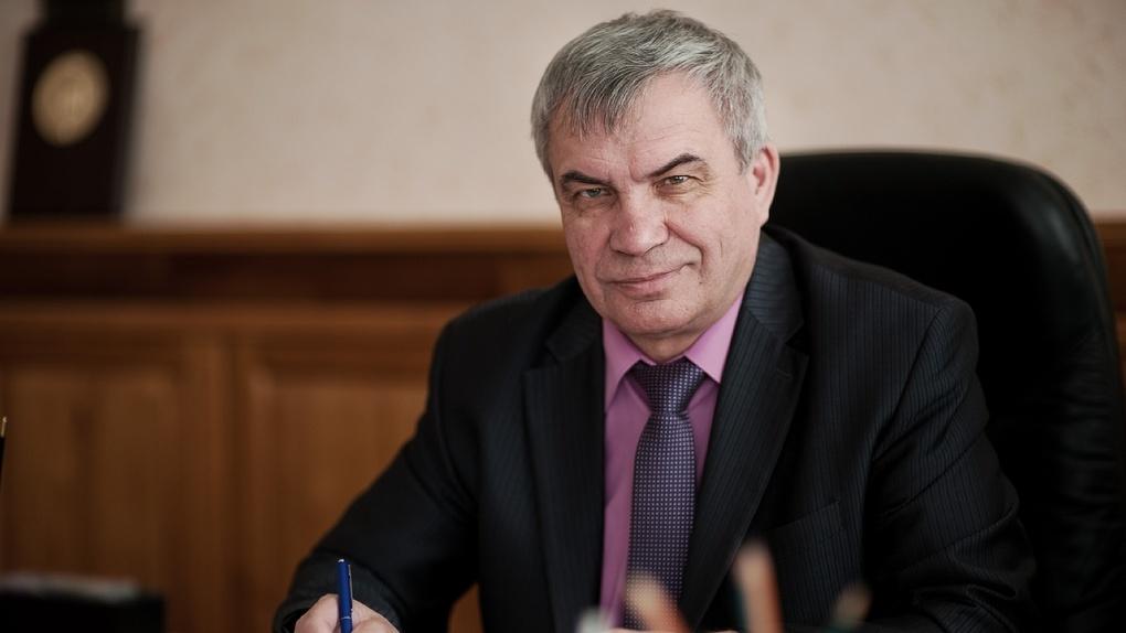 Пожилых преподавателей Новосибирского госуниверситета изолируют от студентов