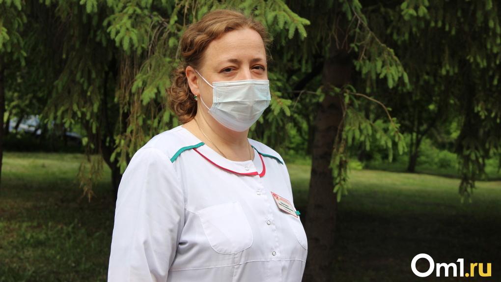 Анна Лисичкина объяснила, почему не всех омичей с пневмонией госпитализируют