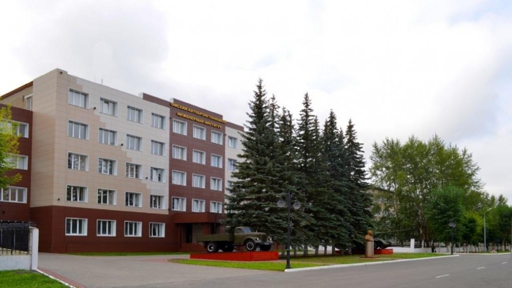 В омском бронетанковом институте внезапно умер молодой курсант