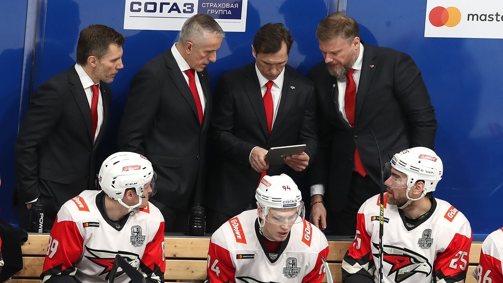Сразу три топовых хоккеиста покинут «Авангард»