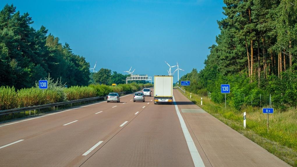 Глава Минтранса предложил увеличить максимальную скорость на российских дорогах
