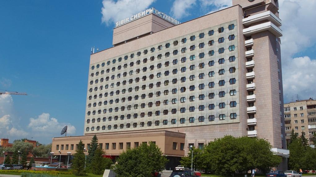 Прокуратура выписала штраф гостинице «Азимут» после падения малыша со второго этажа