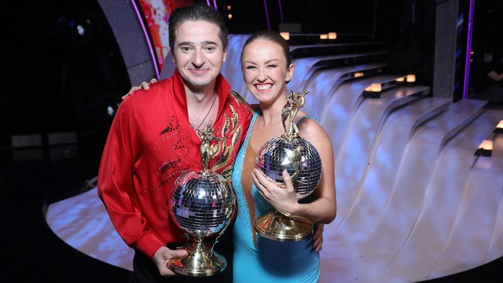 Знаменитый актер из Новосибирска Иван Стебунов стал победителем шоу «Танцы со звездами»
