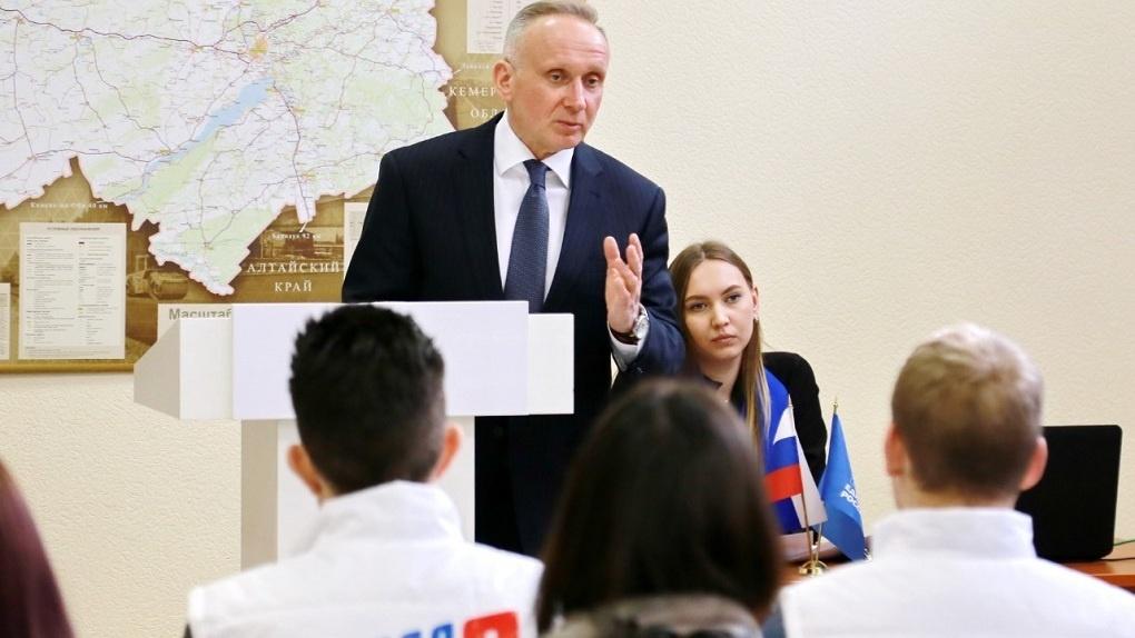 «Принесем еду, лекарство»: в Новосибирске открыли волонтерский центр для помощи нуждающимся при карантине