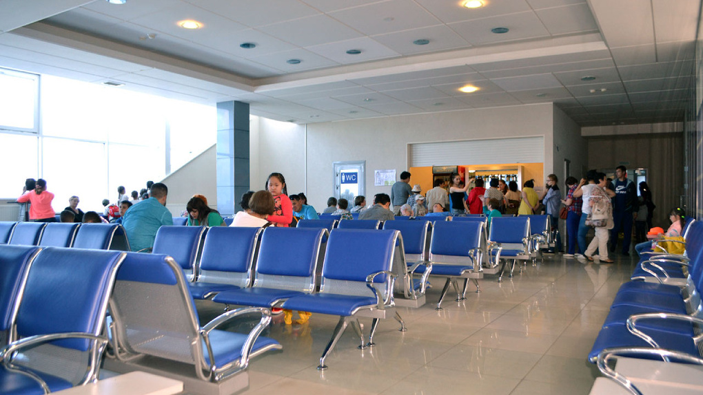 В Омске рейс из Якутска до Анапы задерживают более чем на 20 часов