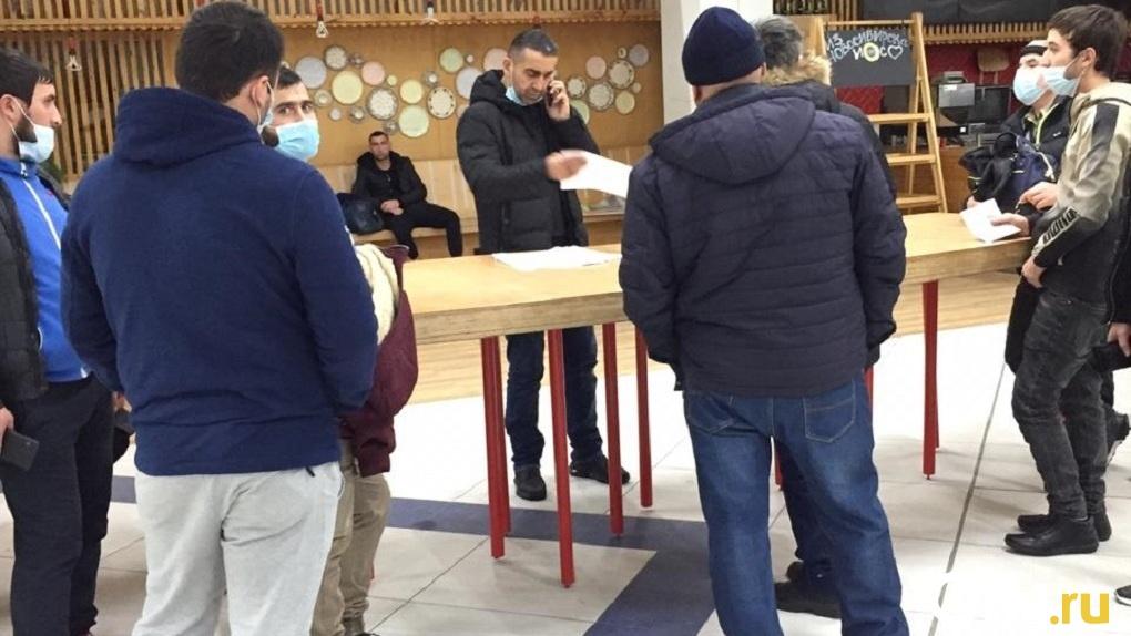 Ковидные мошенники: в новосибирском аэропорту Толмачёво торгуют липовыми справками на коронавирус
