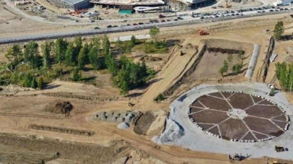 Когда завершат строительство парка с площадкой в виде снежинки у новосибирского ЛДС? Заявление мэра
