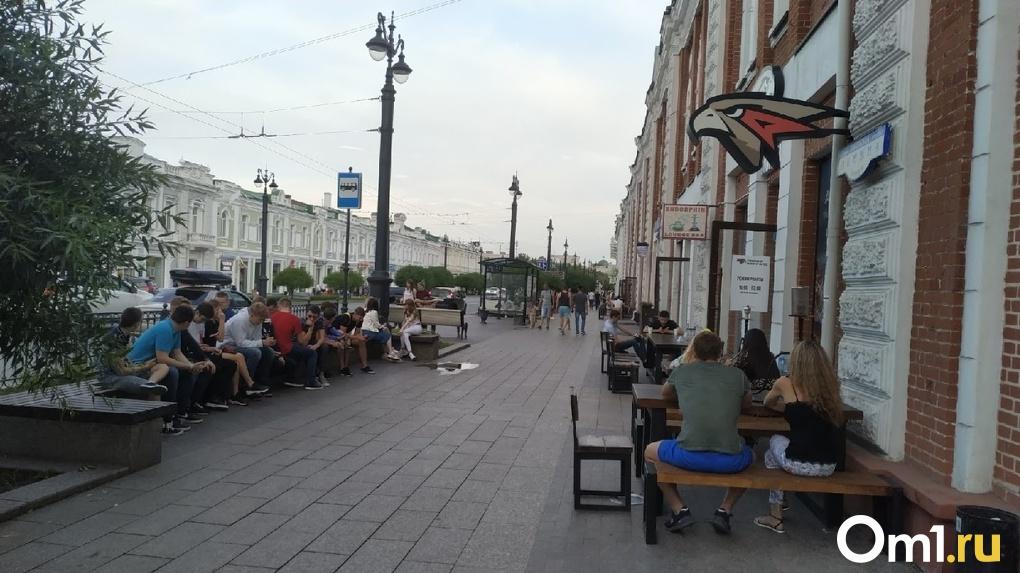 Врач Минздрава заявил, что россияне неправильно поняли отмену самоизоляции