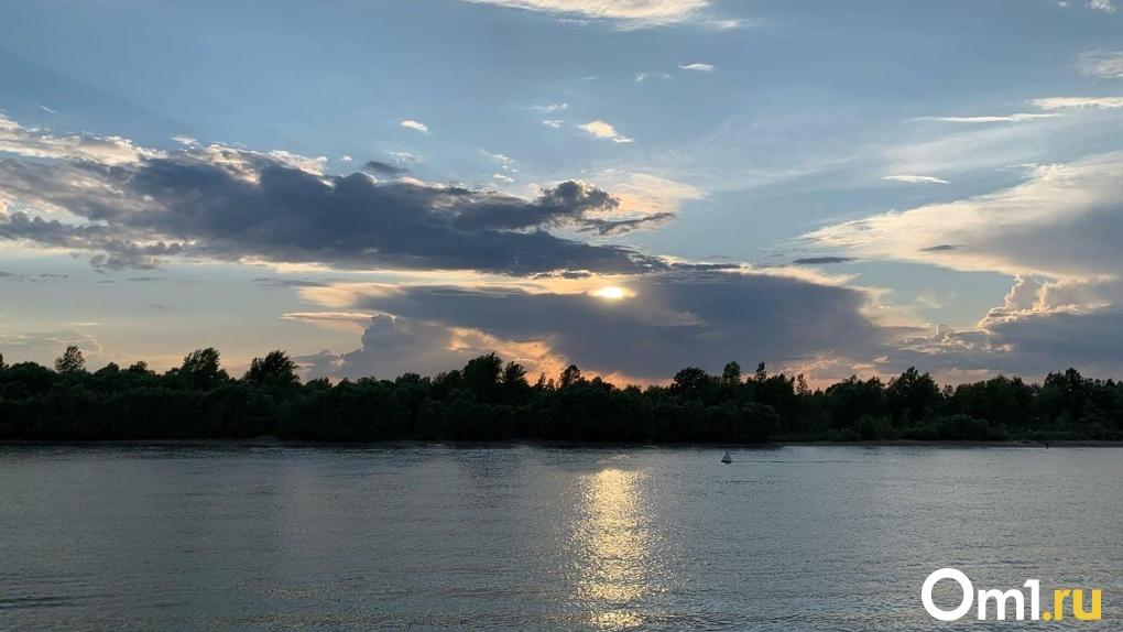 В конце недели в Омске будет жарко и мокро
