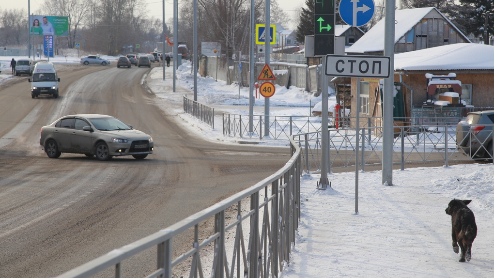 В Новосибирске приступили ко второму этапу реконструкции дороги в микрорайоне Родники
