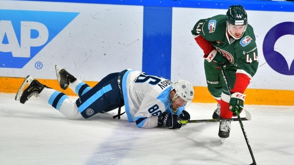 После победы над «Металлургом» «Сибирь» проиграла казанскому «Ак Барсу» со счётом 5:3