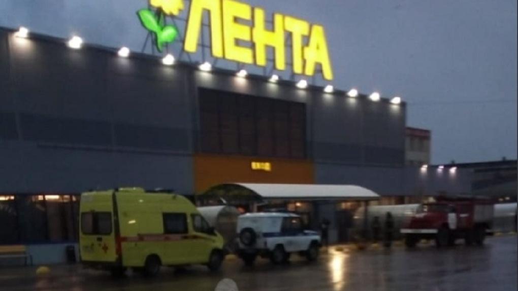 В Новосибирске экстренно эвакуировали гипермаркет «Лента»