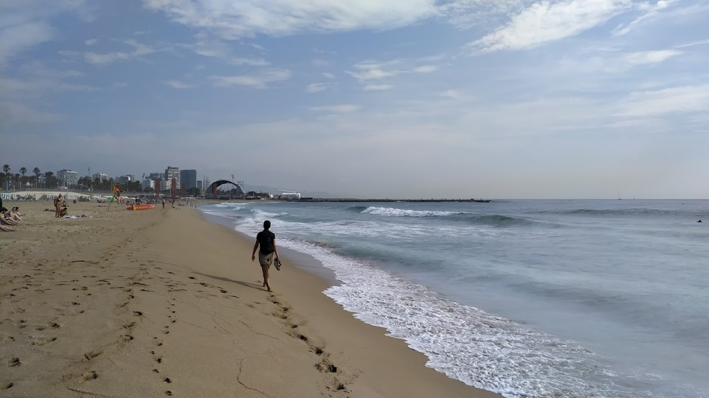 Половина российских семей отказалась от отдыха на море