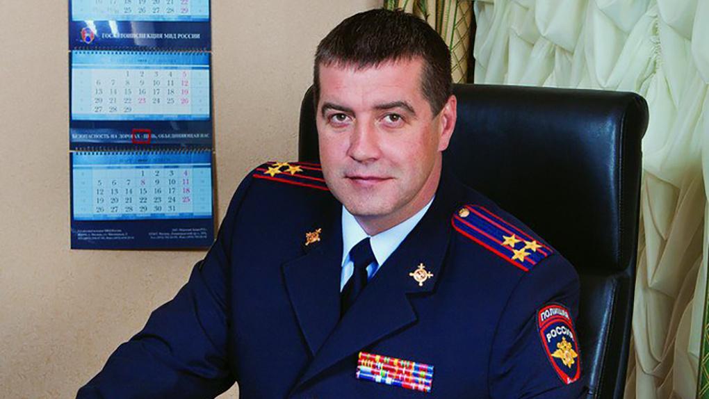Экс-начальник Новосибирской ГИБДД Сергей Штелмах избежал уголовной ответственности за пропуски-вездеходы