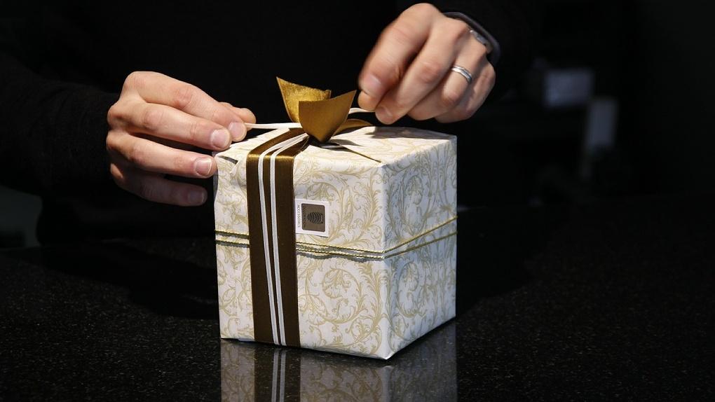Что подарить на 23 Февраля мужу, брату или коллеге? Подборка самых нужных подарков