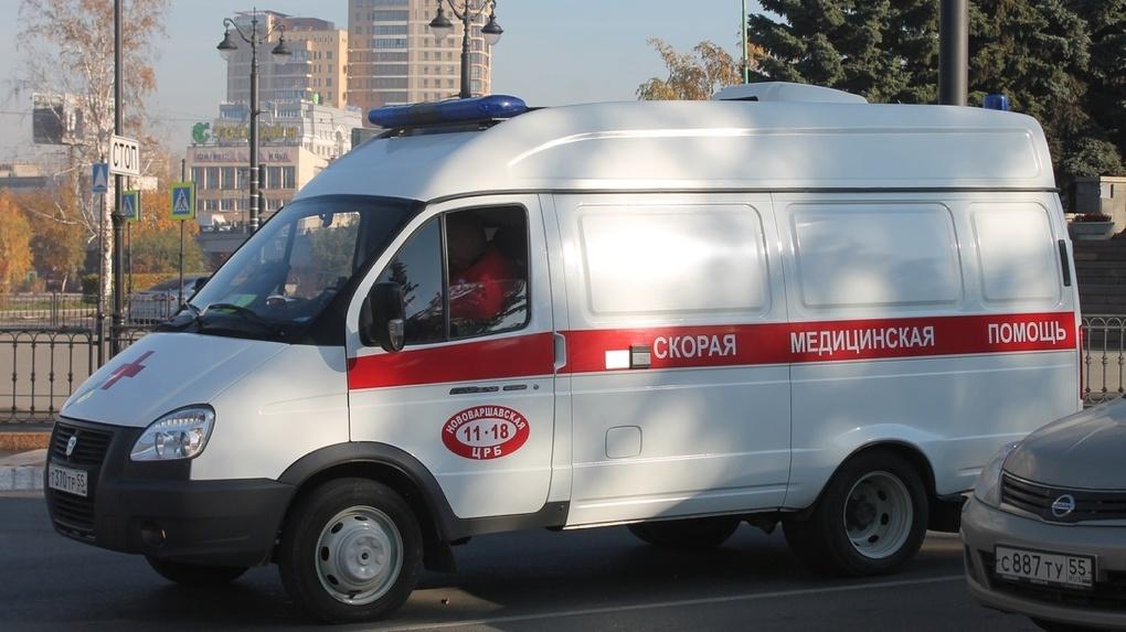 В Омске за парковку оштрафовали водителя скорой