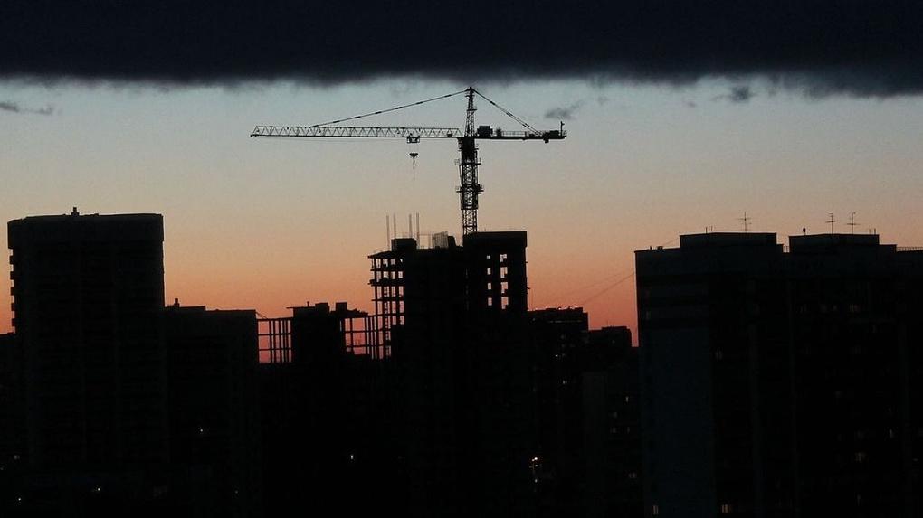 На грани выживания: в Новосибирске не спешат завершать долгострой на Галущака
