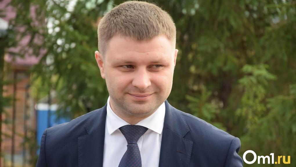 Силовики подтвердили факт обысков в кабинете омского министра строительства Антона Заева