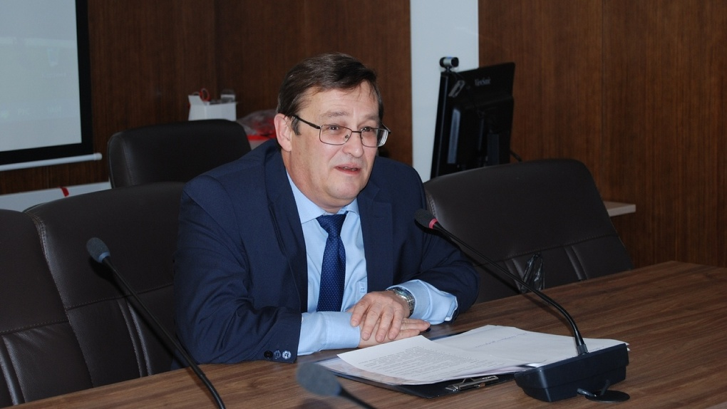 Скандал! Пожилому преподавателю Новосибирского госуниверситета запретили работать дистанционно
