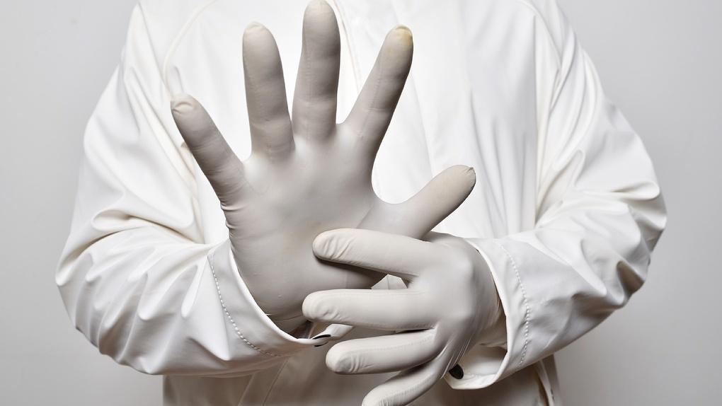 88 заболевших и очередная смерть. В Омске — новый шокирующий всплеск статистики по коронавирусу