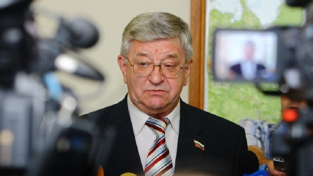 В Новосибирске скончался бывший сенатор Алексей Беспаликов