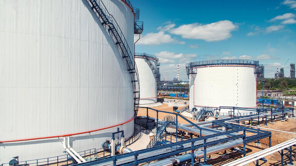 Омский НПЗ начал монтировать системы современного очищения воды комплекса «Биосфера»