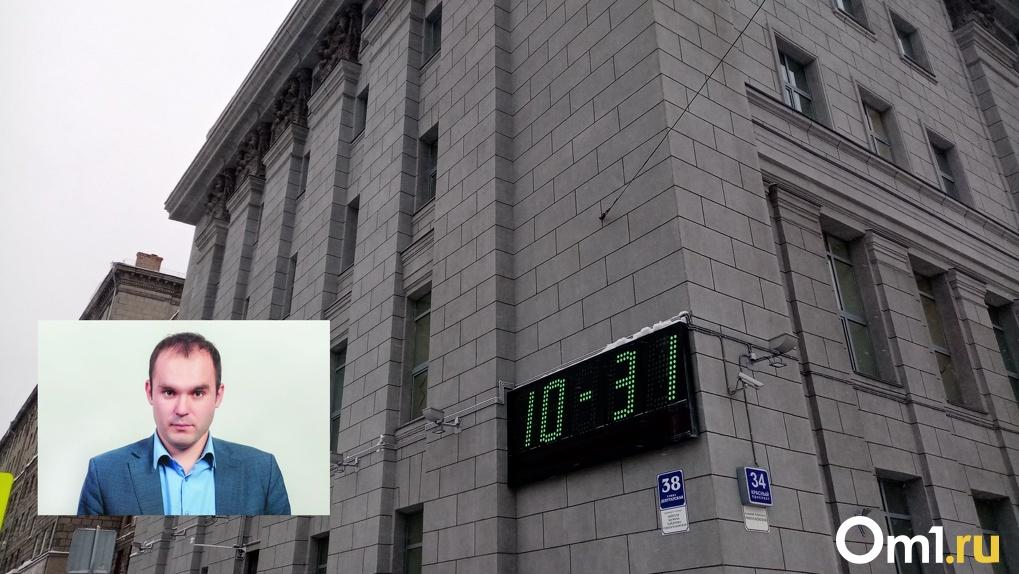 «Это политические игры»: новосибирский депутат намерен подать в суд из-за отмены выборов по партспискам
