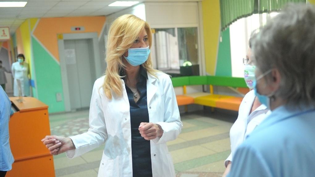 В Омске собираются ускорить процесс прохождения детских профилактических осмотров до 60 минут