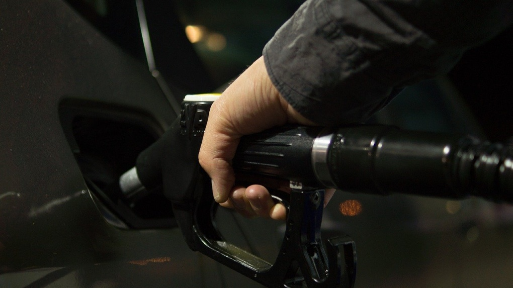 На новосибирских АЗС подорожал бензин и дизельное топливо