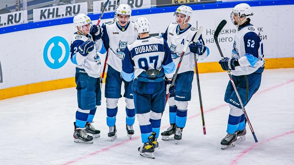 Новосибирская молодёжная хоккейная команда разгромила «Кузнецких медведей»