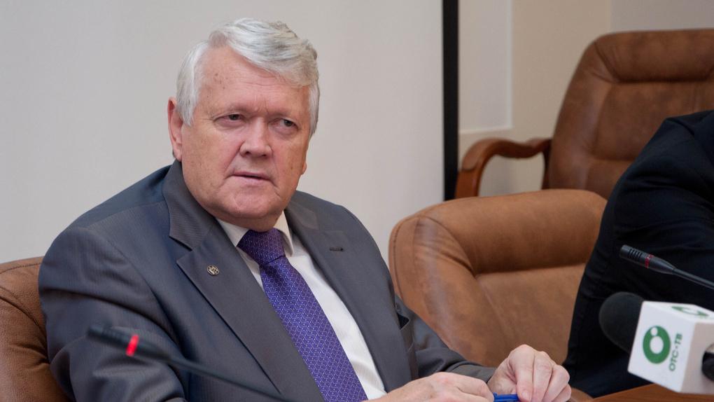Новосибирский суд отказался штрафовать академика Асеева за воспрепятствование обыску