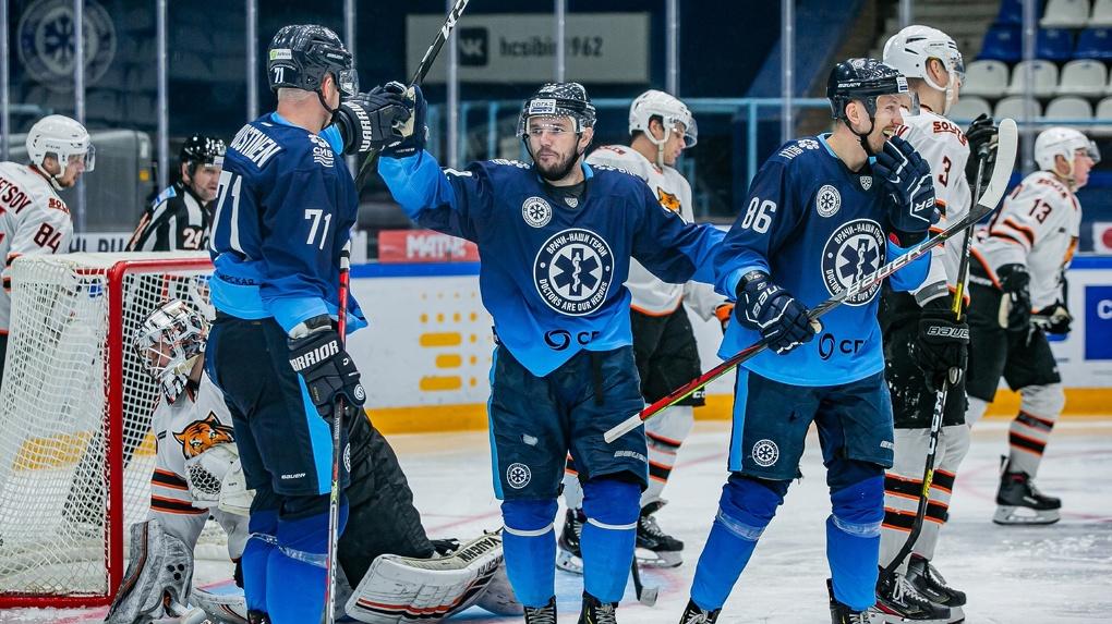 Это победа! Новосибирская хоккейная команда взяла реванш после поражения хабаровчанам