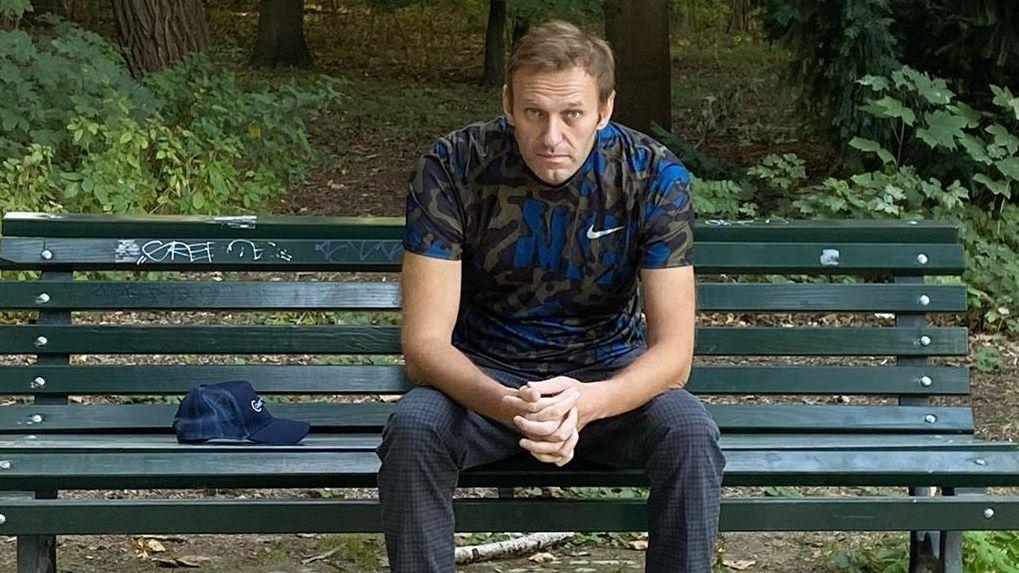 Навальный в интервью Дудю сравнил смерть от «Новичка» с поцелуем дементора