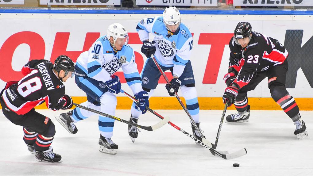 Игра на выезде: омский «Авангард» против «Сибири» из Новосибирска