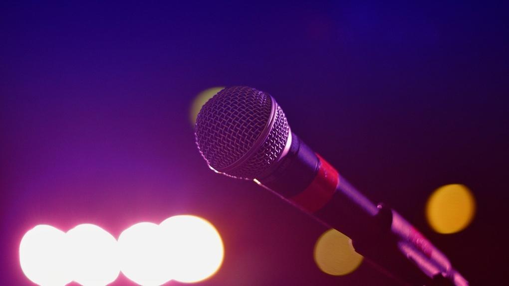 Омский «Бродвей» оштрафовали за больных работников и полуфабрикаты без срока годности
