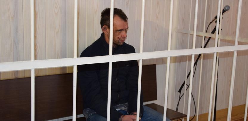 Наркоману, взявшему в Омске в заложницы 13-летюю девочку, отказали в апелляции